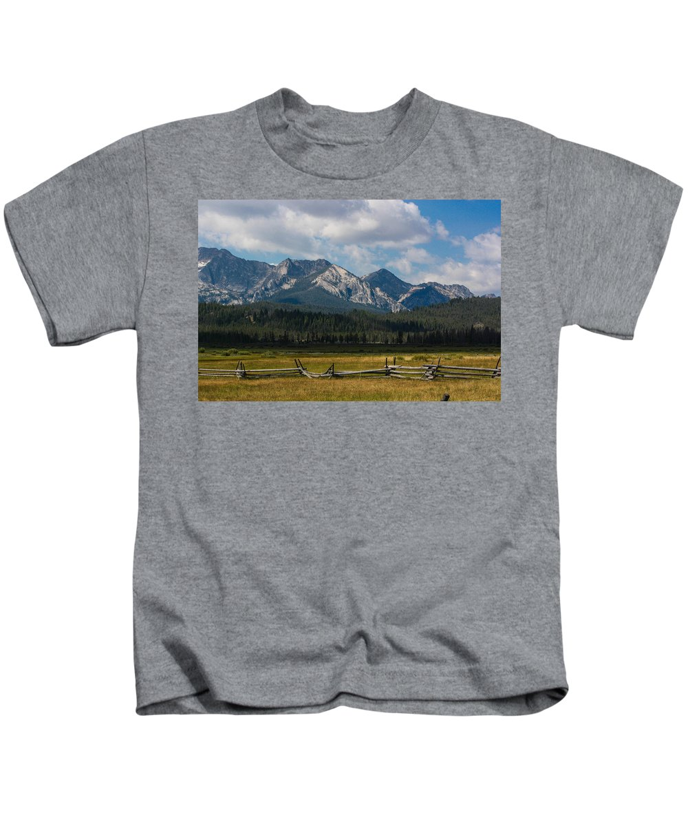 Sawtooth Mountains Kids T-Shirt featuring the photograph Fenced In by Jacki Smoldon