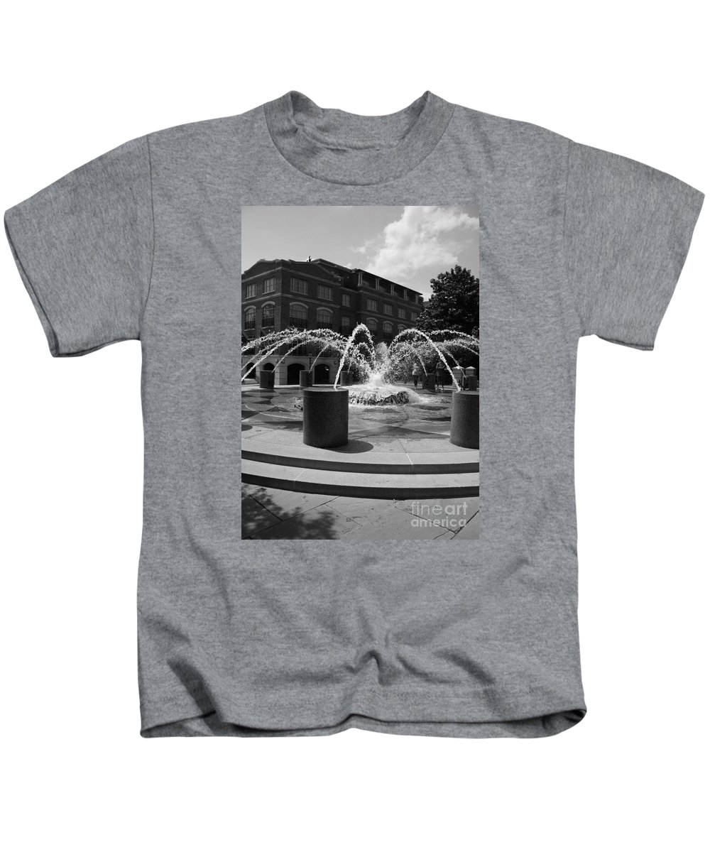 Charleston Flountain Kids T-Shirt featuring the photograph Fountain In Charleston by Christiane Schulze Art And Photography