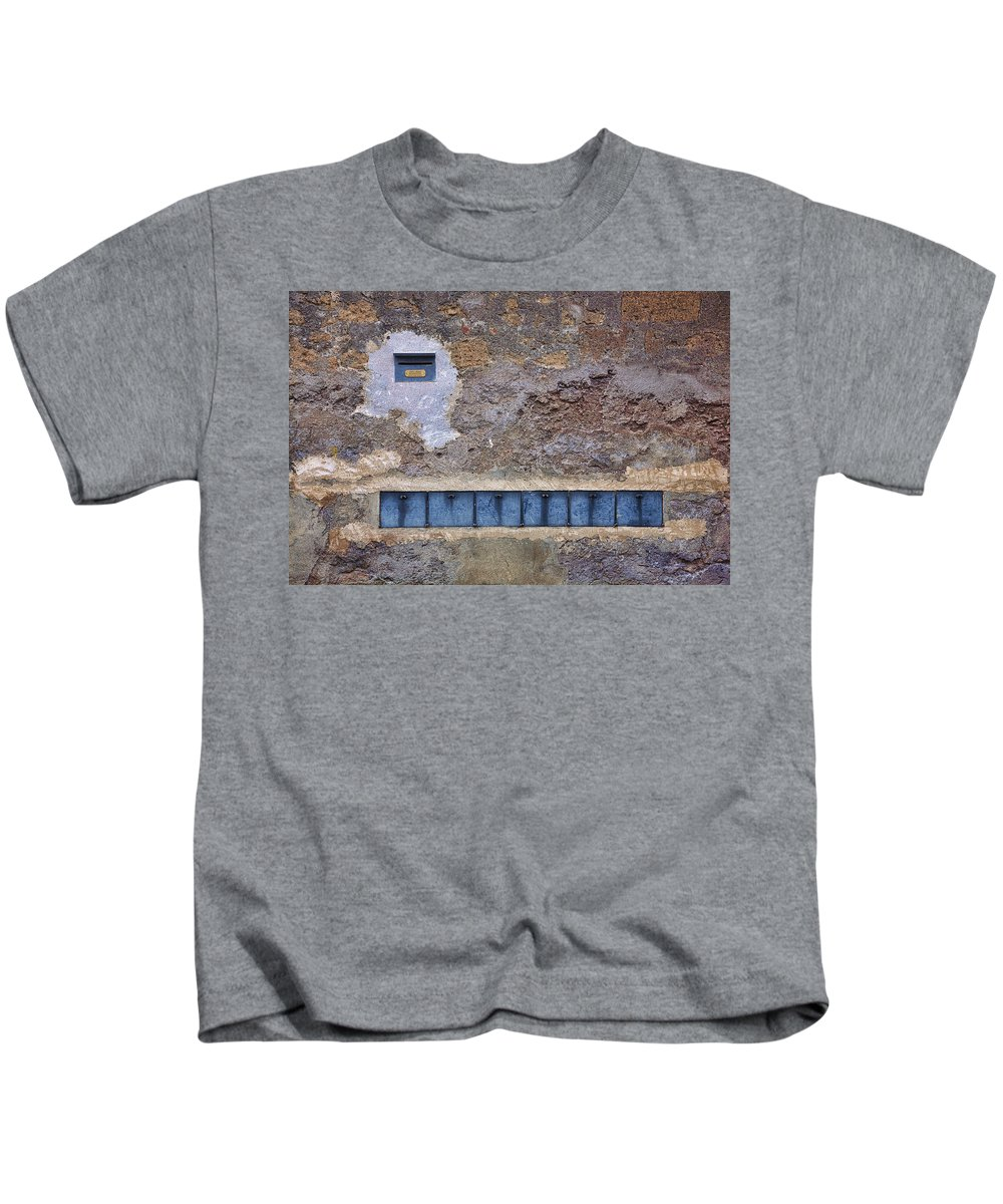 Wall Kids T-Shirt featuring the photograph Giannini's Wall by Hugh Smith