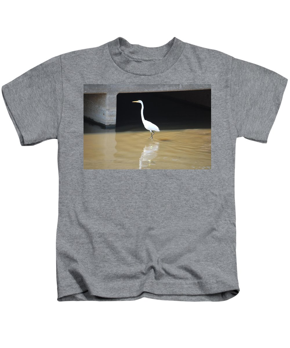 Fishing The Bridge Kids T-Shirt featuring the photograph Great White Heron by Robert Floyd