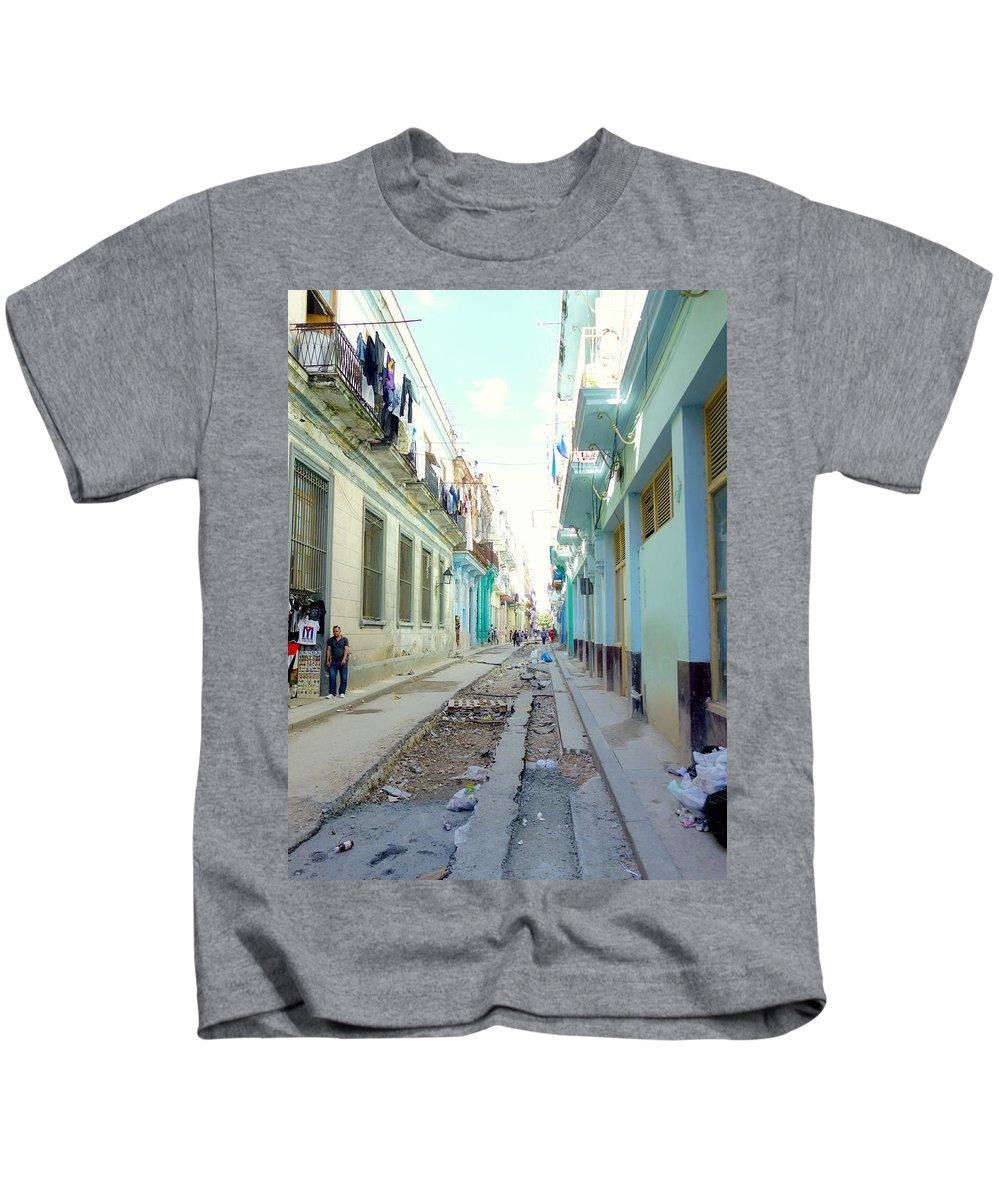 Habana Kids T-Shirt featuring the photograph Habana Street by Valentino Visentini