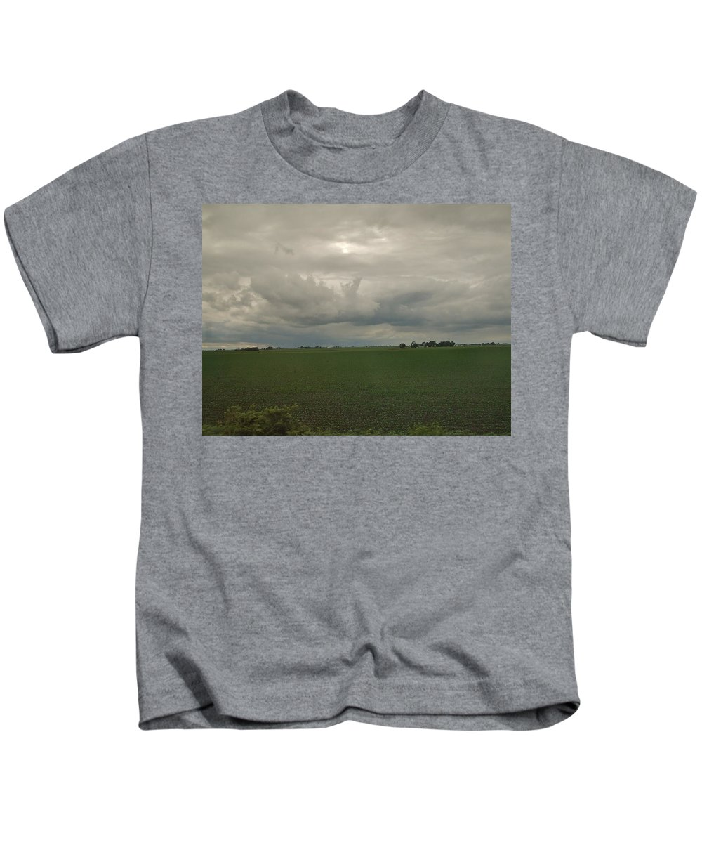 Illinois Kids T-Shirt featuring the photograph Illinois In Spring by Susan Wyman