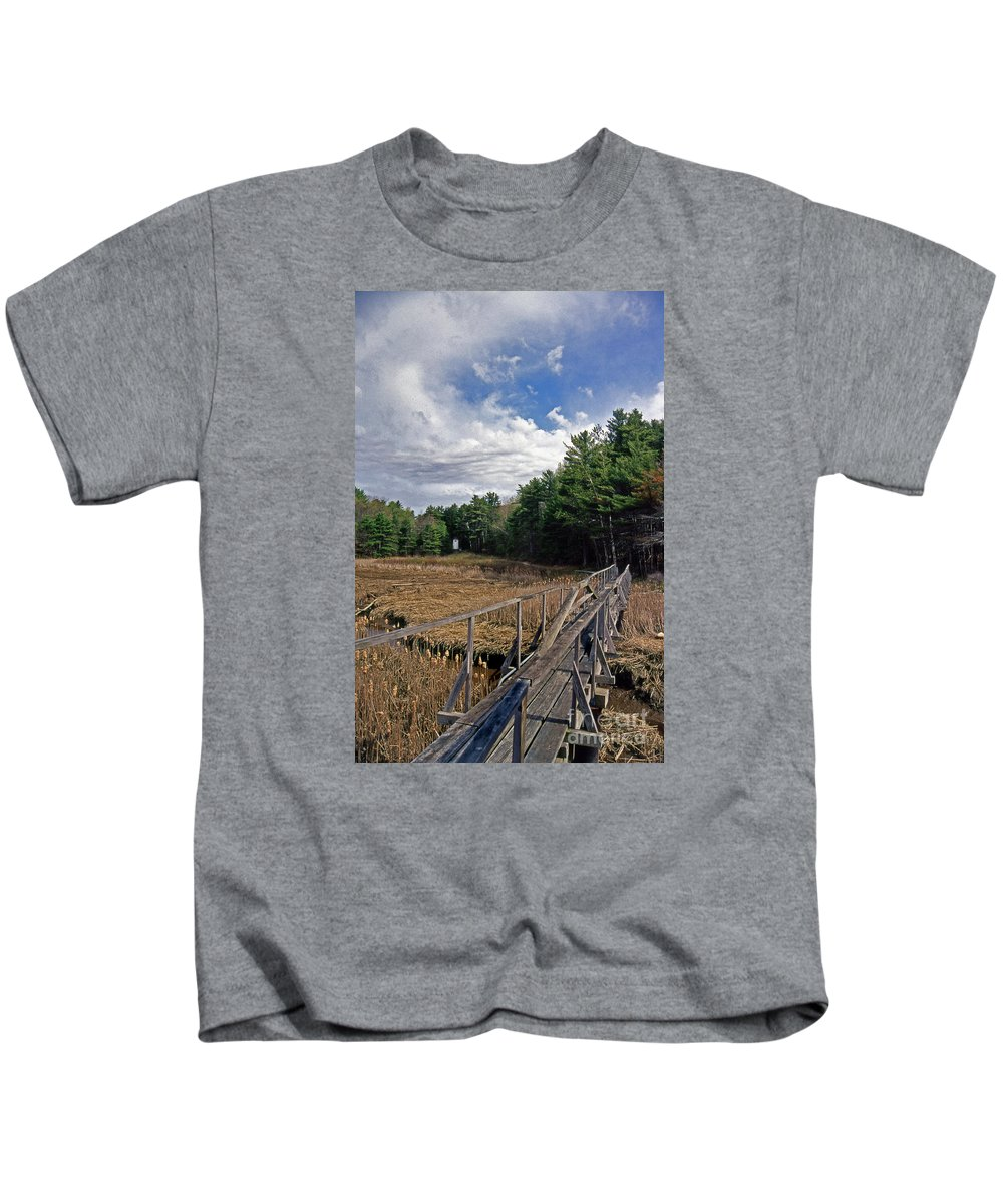 Lighthouses Kids T-Shirt featuring the photograph Kennebec River Rr Lighthouse by Skip Willits