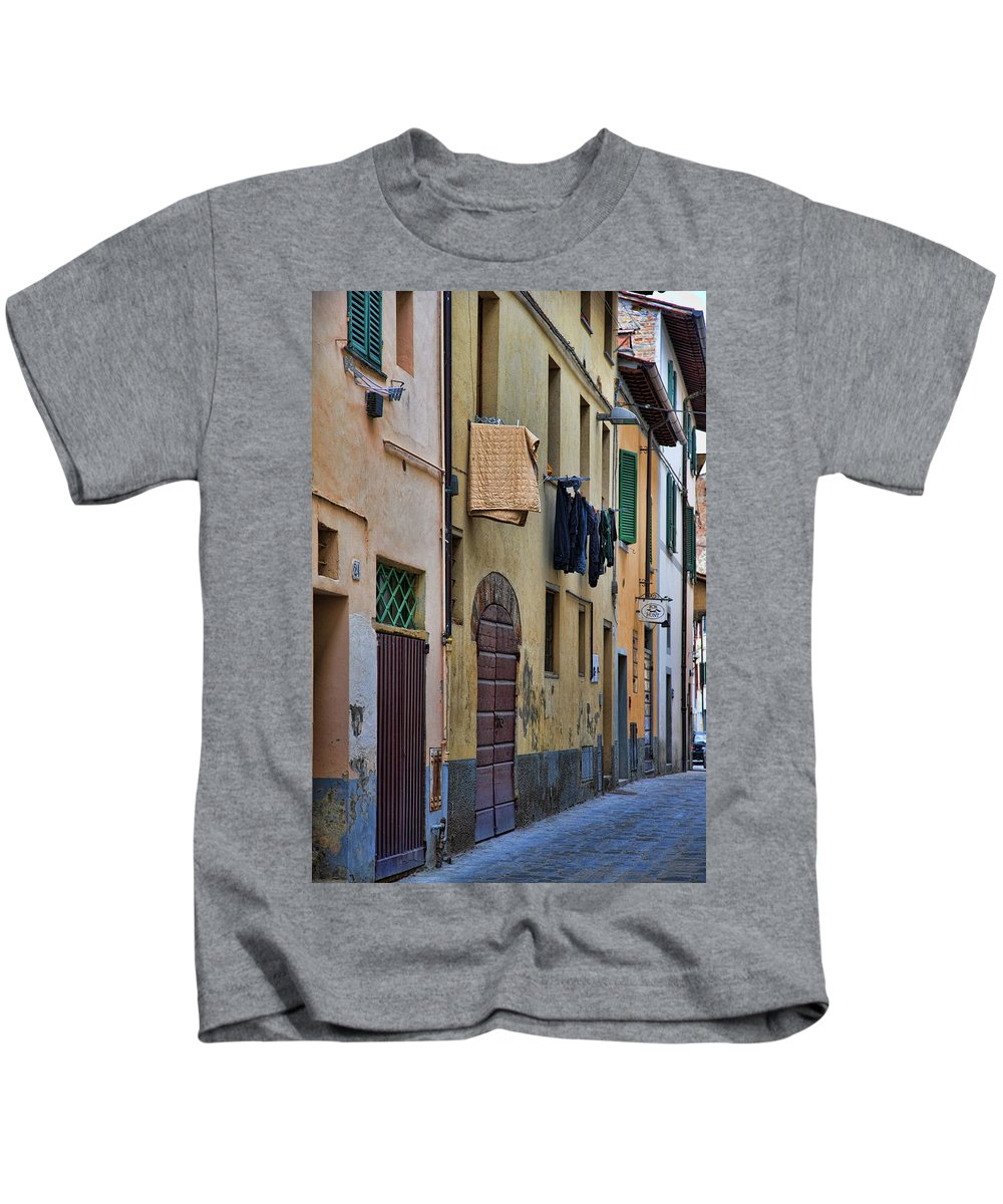 Laundry Kids T-Shirt featuring the photograph Laundry Citta Di Castello by Hugh Smith