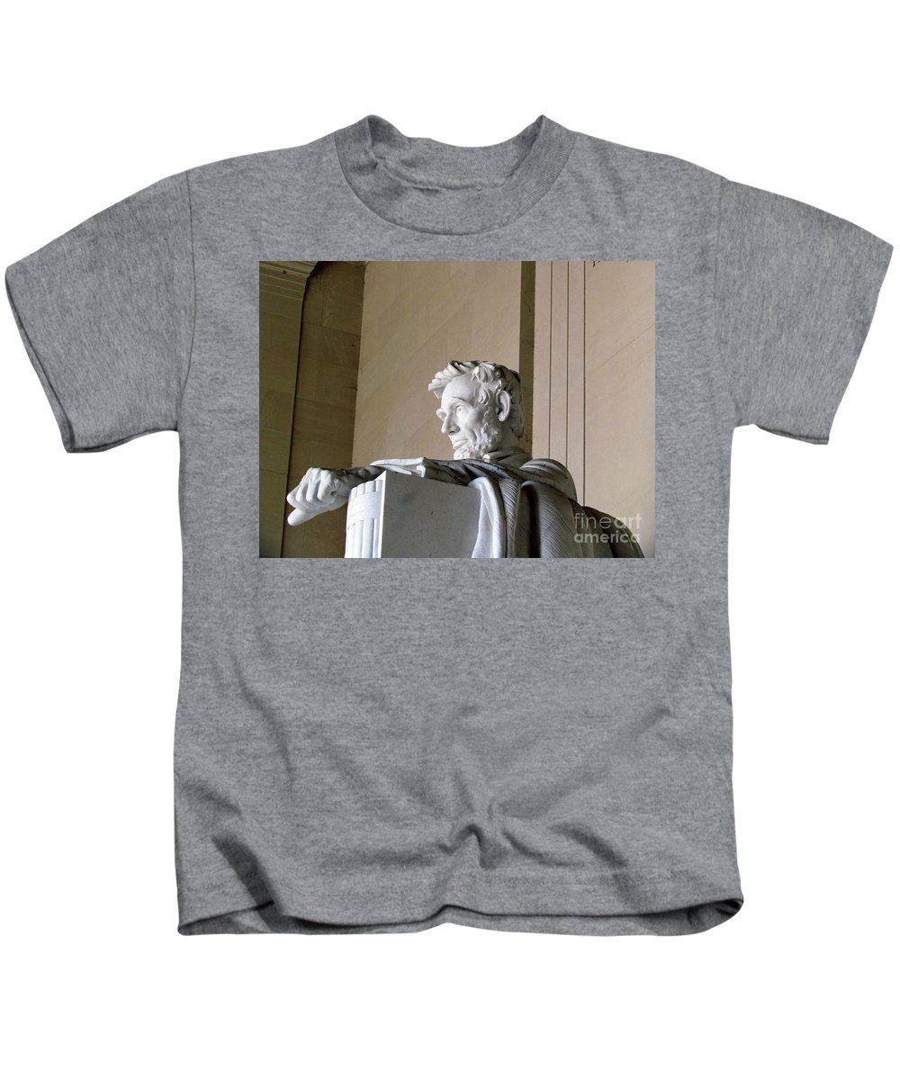 Abraham Lincoln Kids T-Shirt featuring the photograph Lincoln IIi by Elizabeth Dow