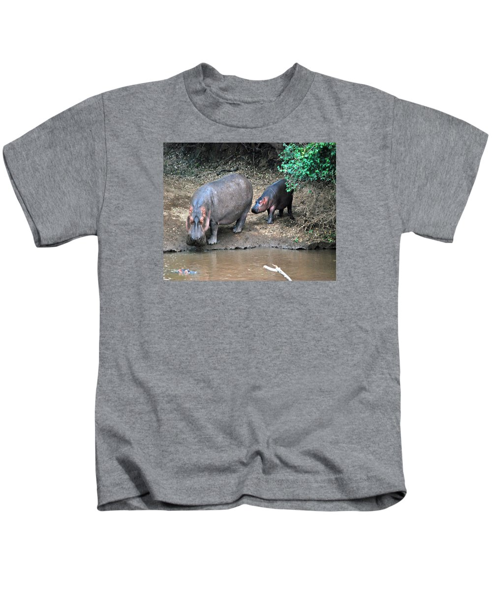 Wildlife Kids T-Shirt featuring the photograph Mom Knows Best by Pamela Peters