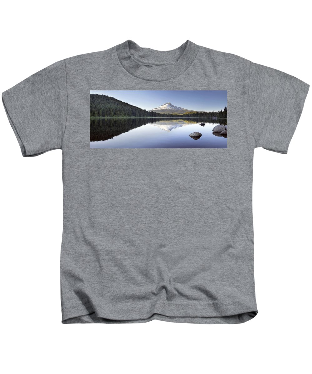 Hood Kids T-Shirt featuring the photograph Mt Hood Reflection On Trillium Lake Panorama by Jit Lim