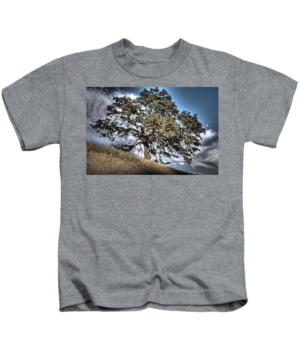 Gilroy Hills Kids T-Shirt featuring the photograph Oak Tree And Moon by SC Heffner