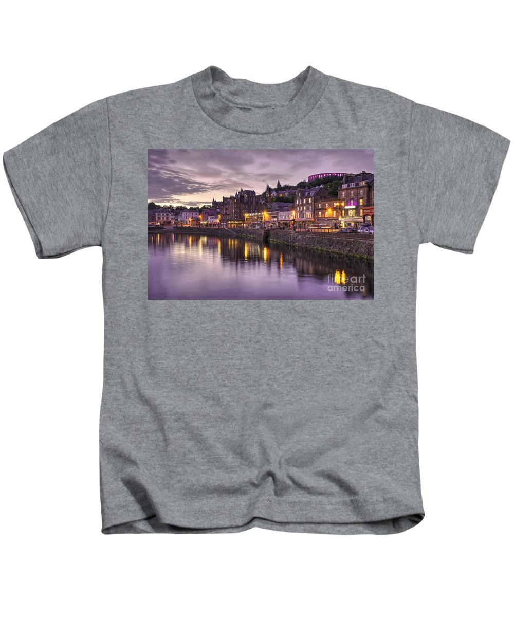 Oban Kids T-Shirt featuring the photograph Oban Dusk by Rob Hawkins