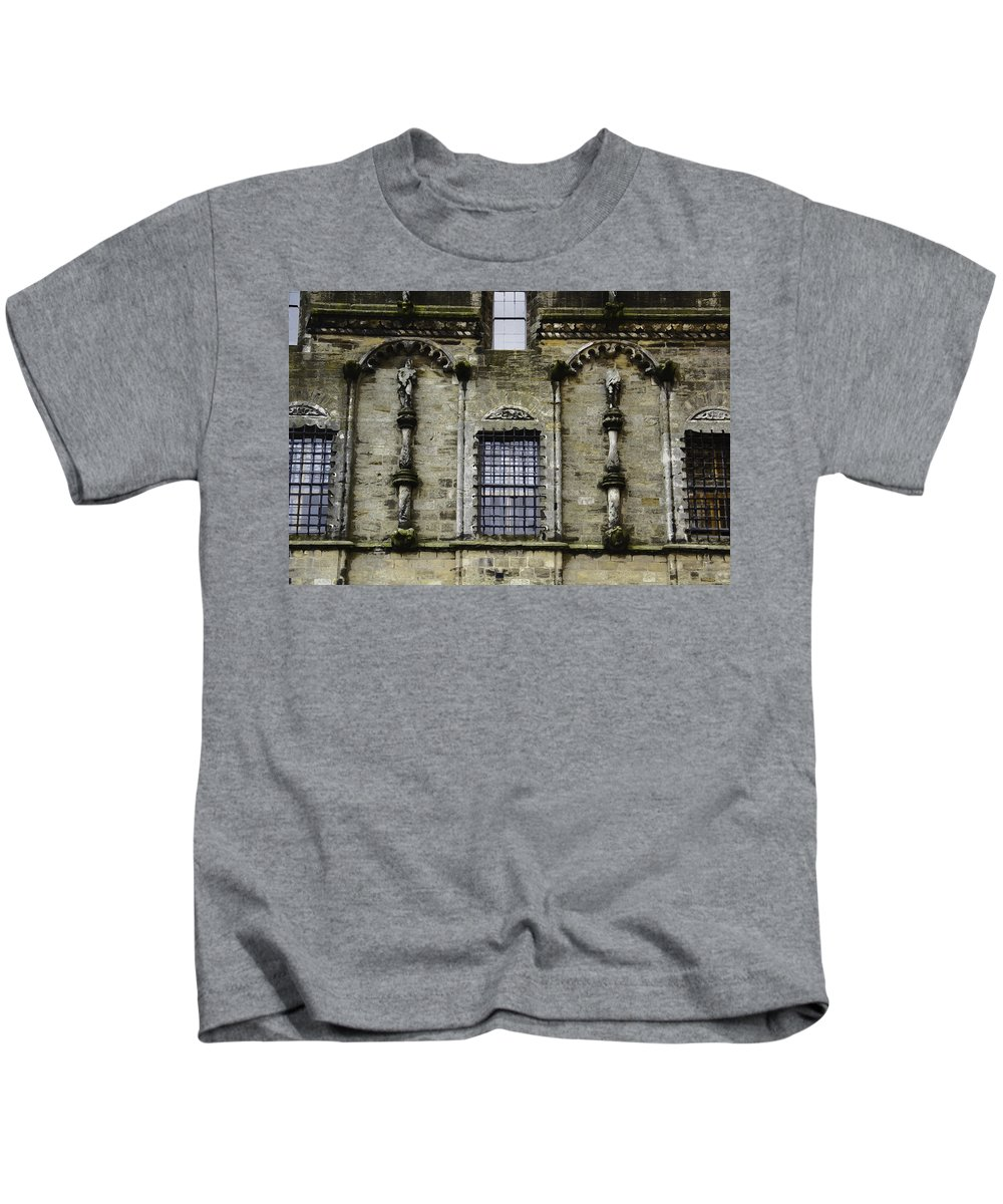 Action Kids T-Shirt featuring the digital art Oil Painting - Renaissance Styled Statues On Royal Palace In Stirling Castle by Ashish Agarwal