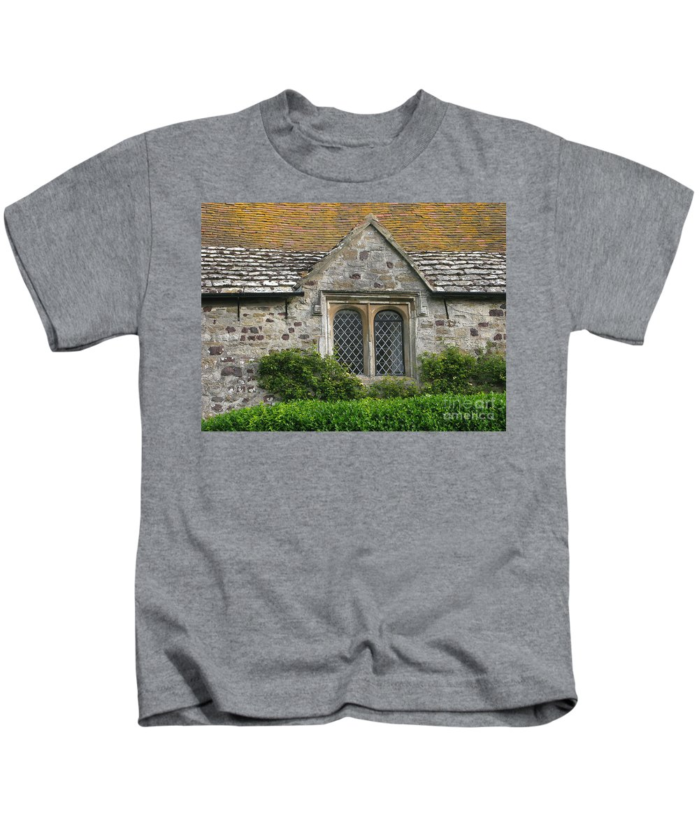 England Kids T-Shirt featuring the photograph Old English by Ann Horn
