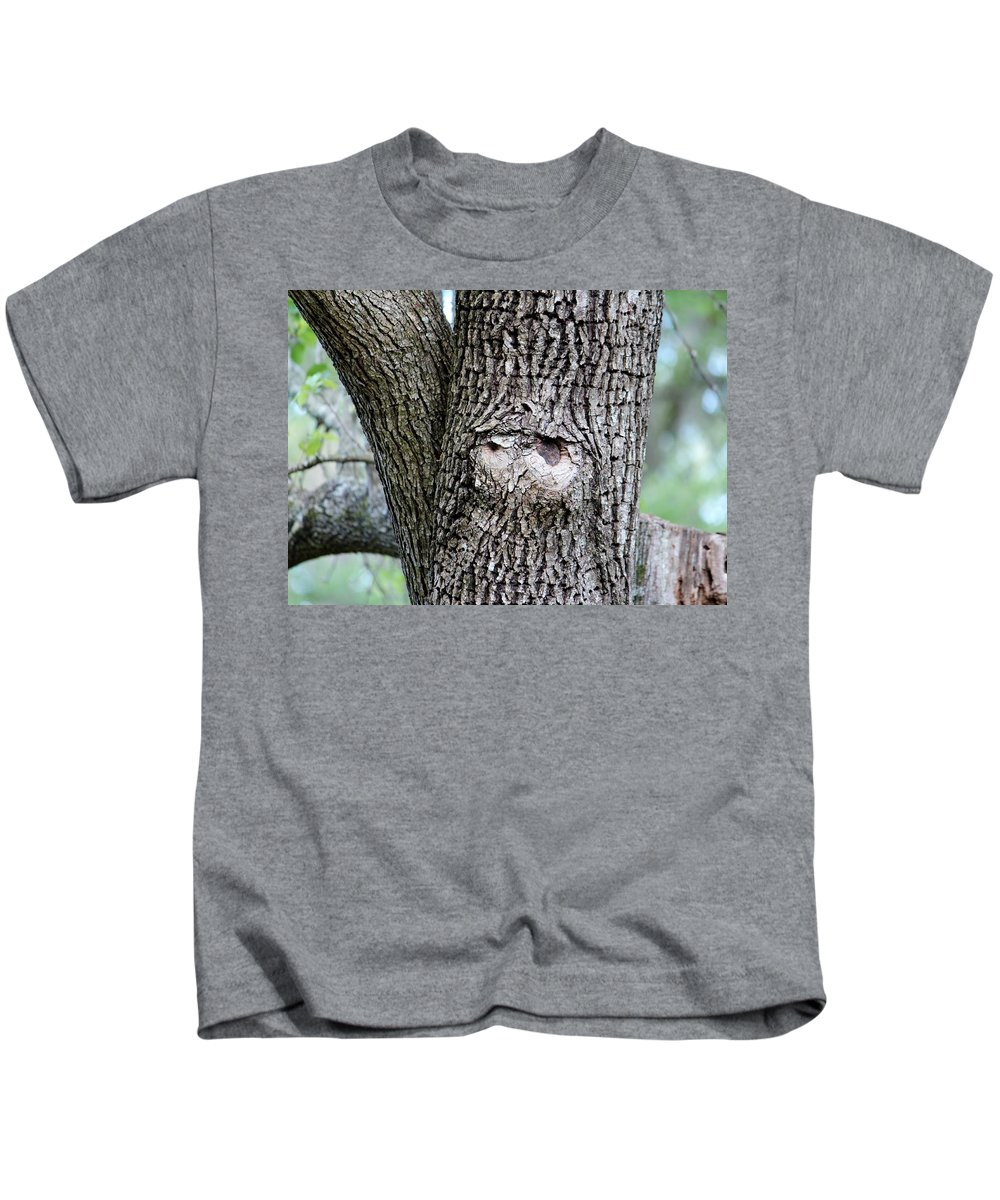 Tree Kids T-Shirt featuring the photograph Owl Face by Cynthia Guinn