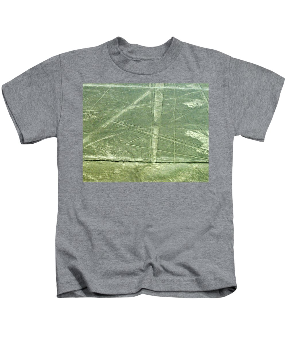 Peru Kids T-Shirt featuring the photograph Plains Of Nazca - Spider by Allen Sheffield