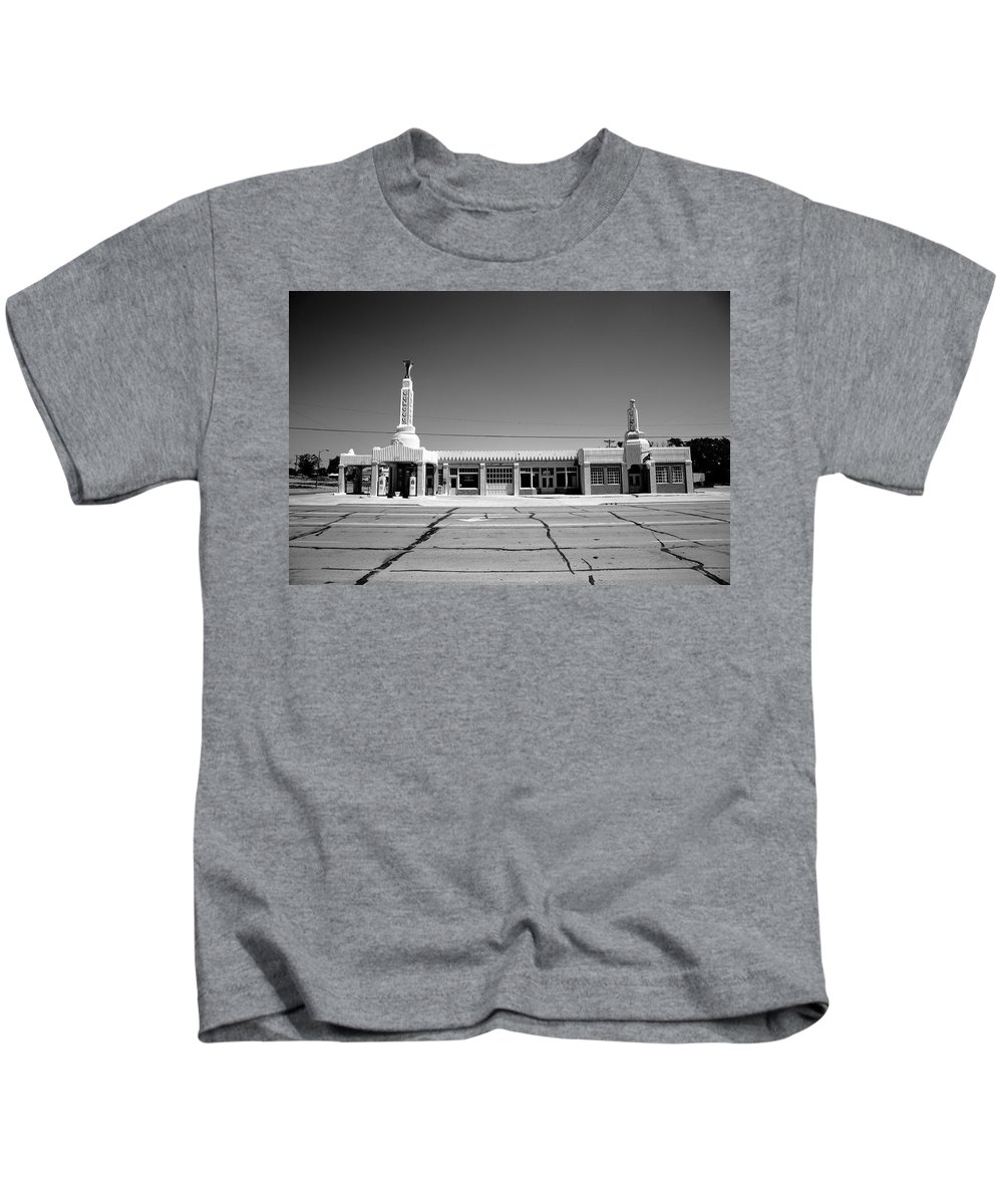 66 Kids T-Shirt featuring the photograph Route 66 - Conoco Tower Station 4 by Frank Romeo