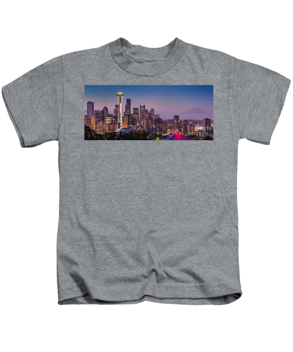 America Kids T-Shirt featuring the photograph Seattle Dawn by Brian Jannsen