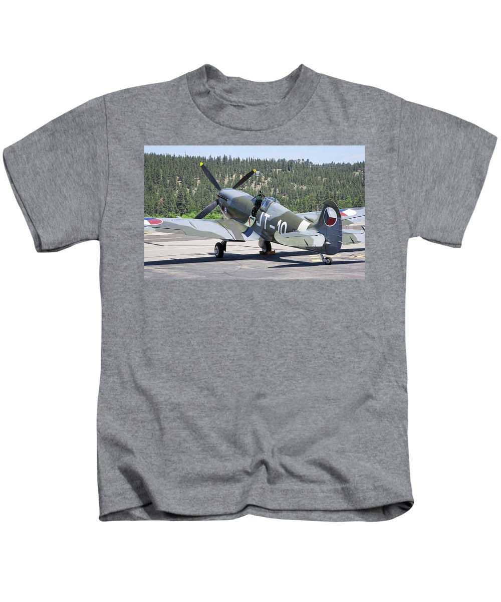 Spitfire Kids T-Shirt featuring the photograph Spitfire On Takeoff Standby by Daniel Hagerman