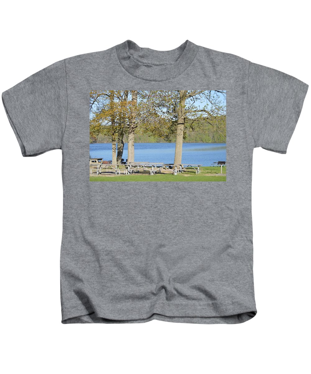 Scenic Beauty Kids T-Shirt featuring the photograph Spring Fed Shepherd Lake by Sonali Gangane