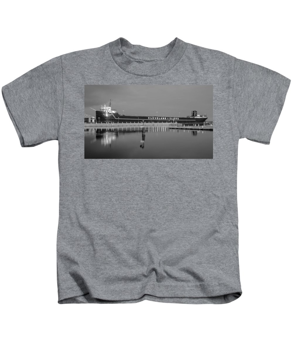 Boat Kids T-Shirt featuring the photograph Ss William G. Mather by Guy Whiteley