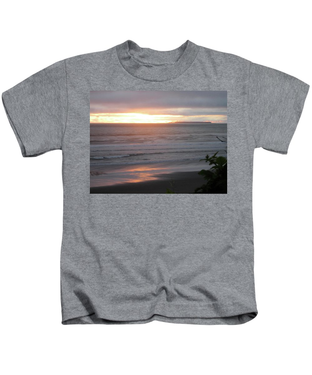 Sunset Kids T-Shirt featuring the photograph Sunset At Kalaloch by Kimberly Maxwell Grantier