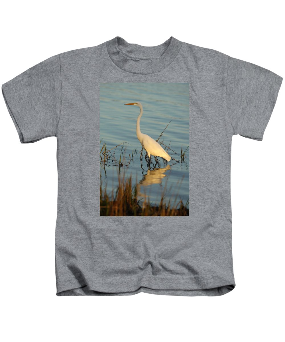White Egret Kids T-Shirt featuring the photograph Wading The Pond by Christiane Schulze Art And Photography