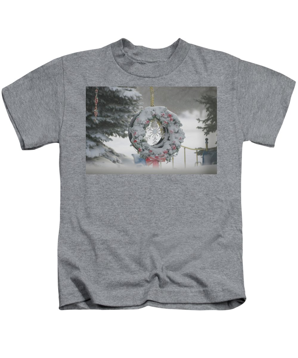 Snow Covered Wreath Photographs Kids T-Shirt featuring the photograph Wreath In A Snow Storm by Thomas Woolworth