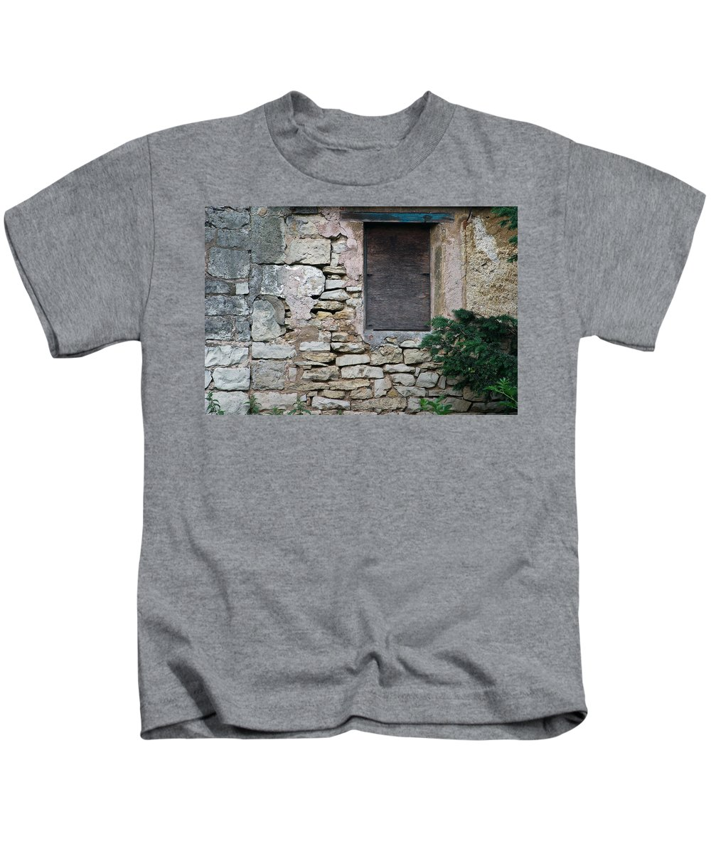 Boarded Kids T-Shirt featuring the photograph Boarded Window England by David Kleinsasser