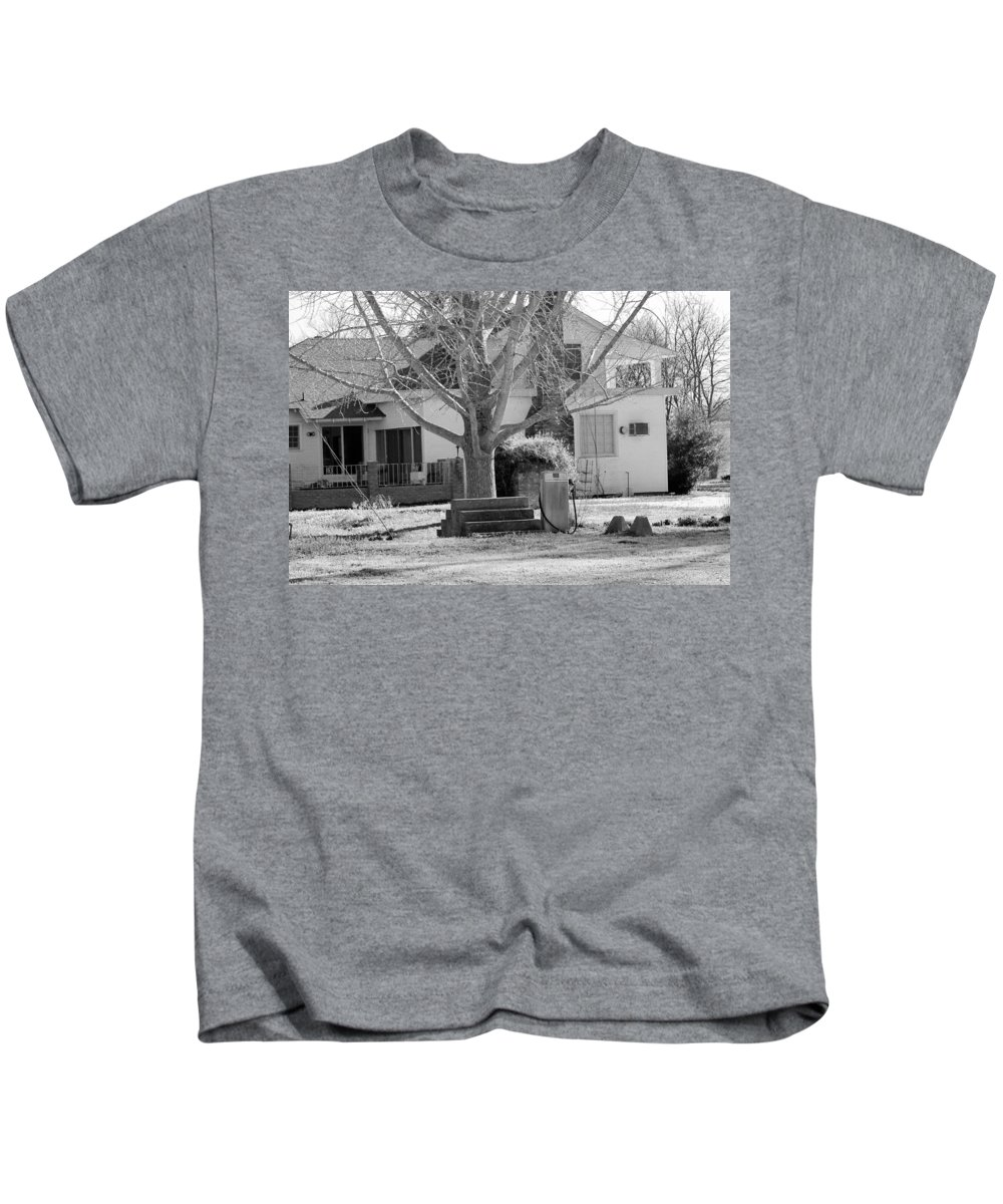 Bobo Kids T-Shirt featuring the photograph Boyd Lane Plantation Bw by Karen Wagner