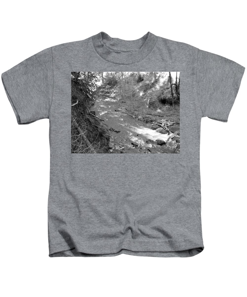 Butte Kids T-Shirt featuring the photograph Butte Creek In Black And White by Linda Hutchins