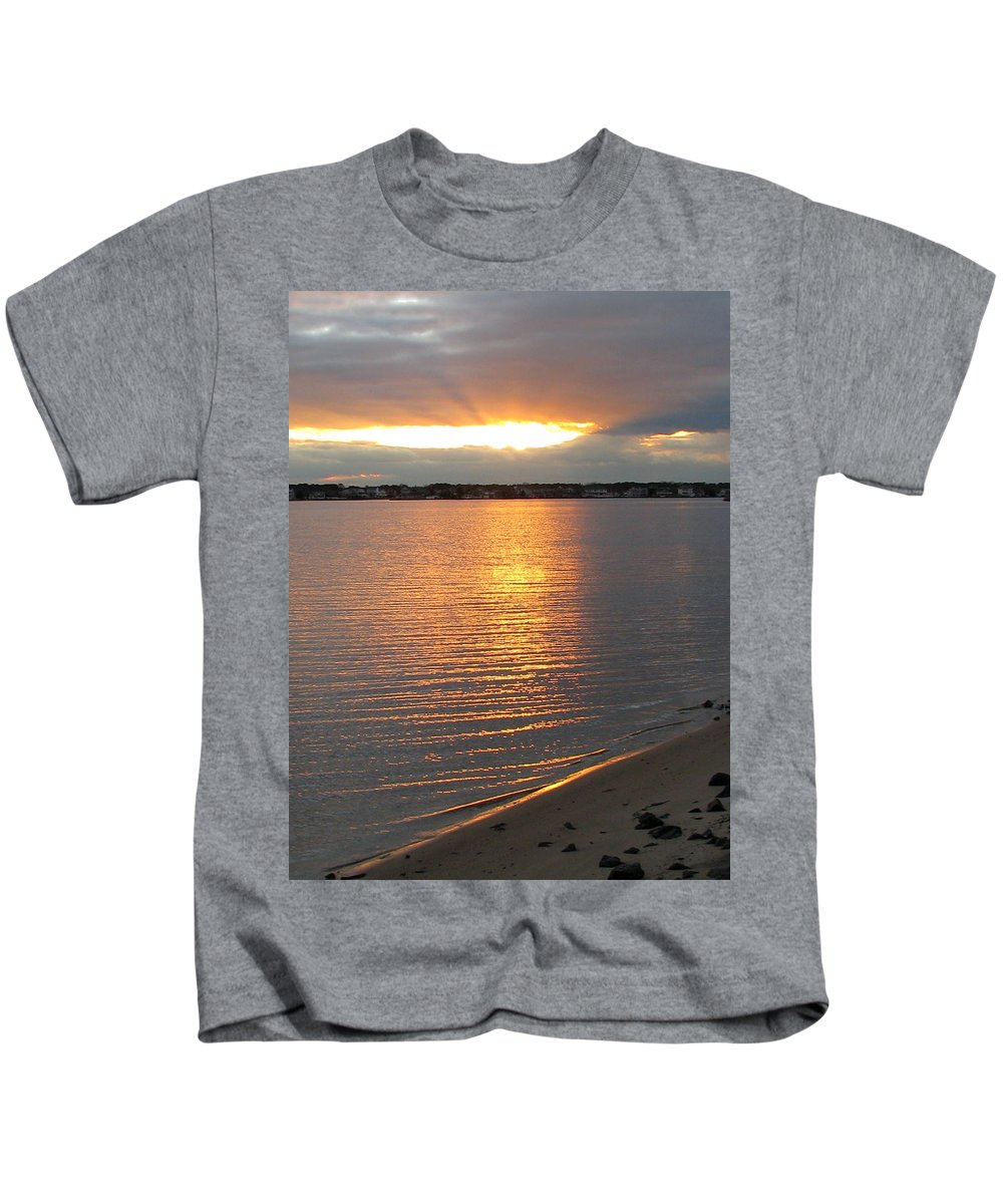Sunset Kids T-Shirt featuring the painting End Of Day by Clara Sue Beym