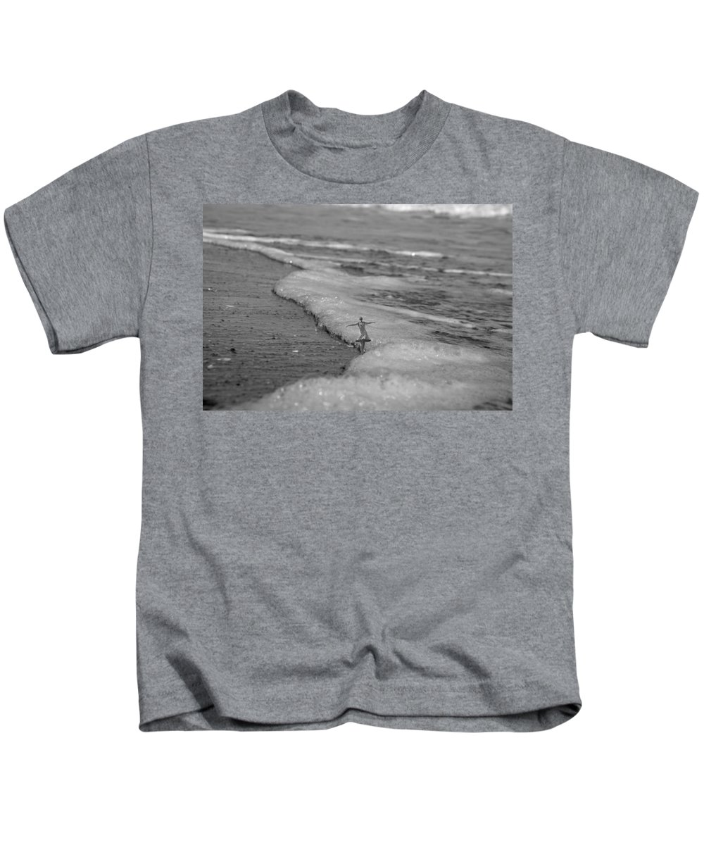 Ocean Kids T-Shirt featuring the digital art Falling For The Sea by Betsy Knapp