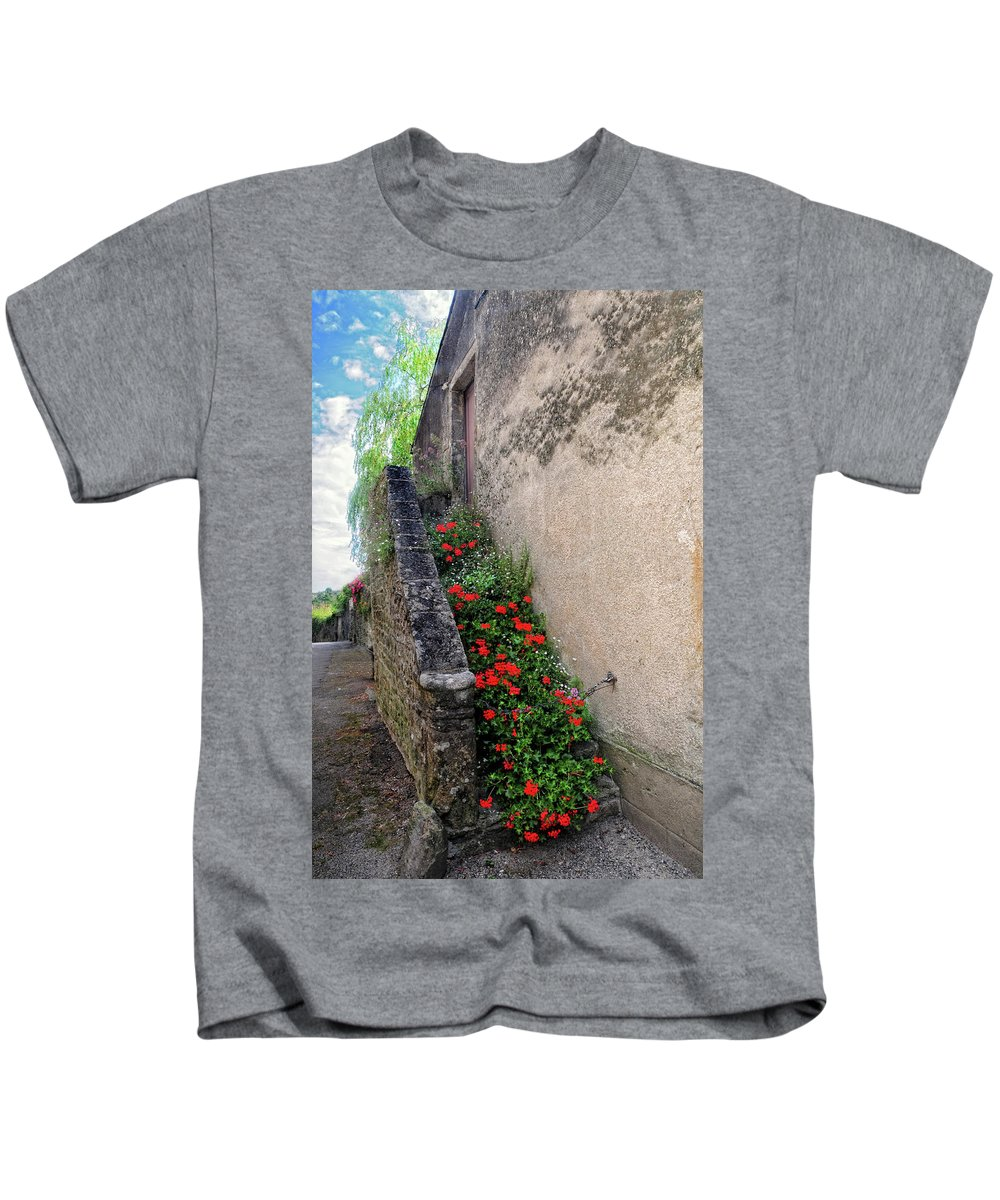 Flowers Kids T-Shirt featuring the photograph Flower Stairway by Dave Mills