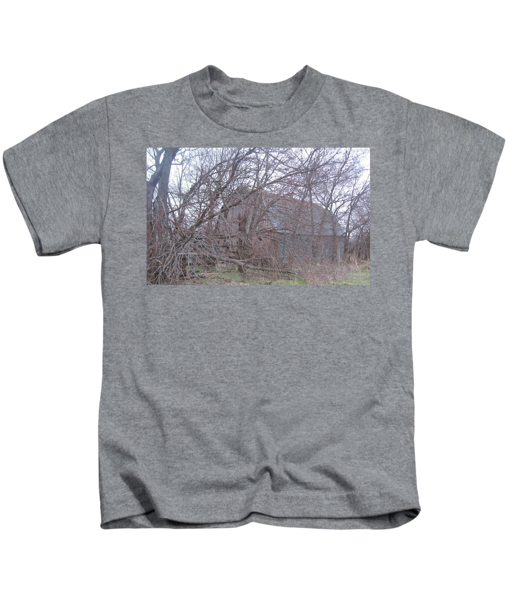 Kids T-Shirt featuring the photograph Old Barn by Amy Hosp
