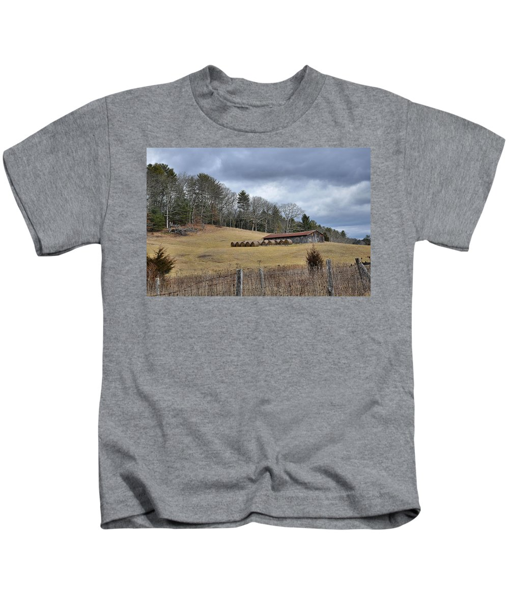 Farm Kids T-Shirt featuring the photograph Old Farm by Todd Hostetter
