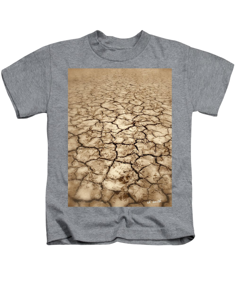 Rattle Snake Lake Kids T-Shirt featuring the photograph Rattle Snake Lake by Ed Smith
