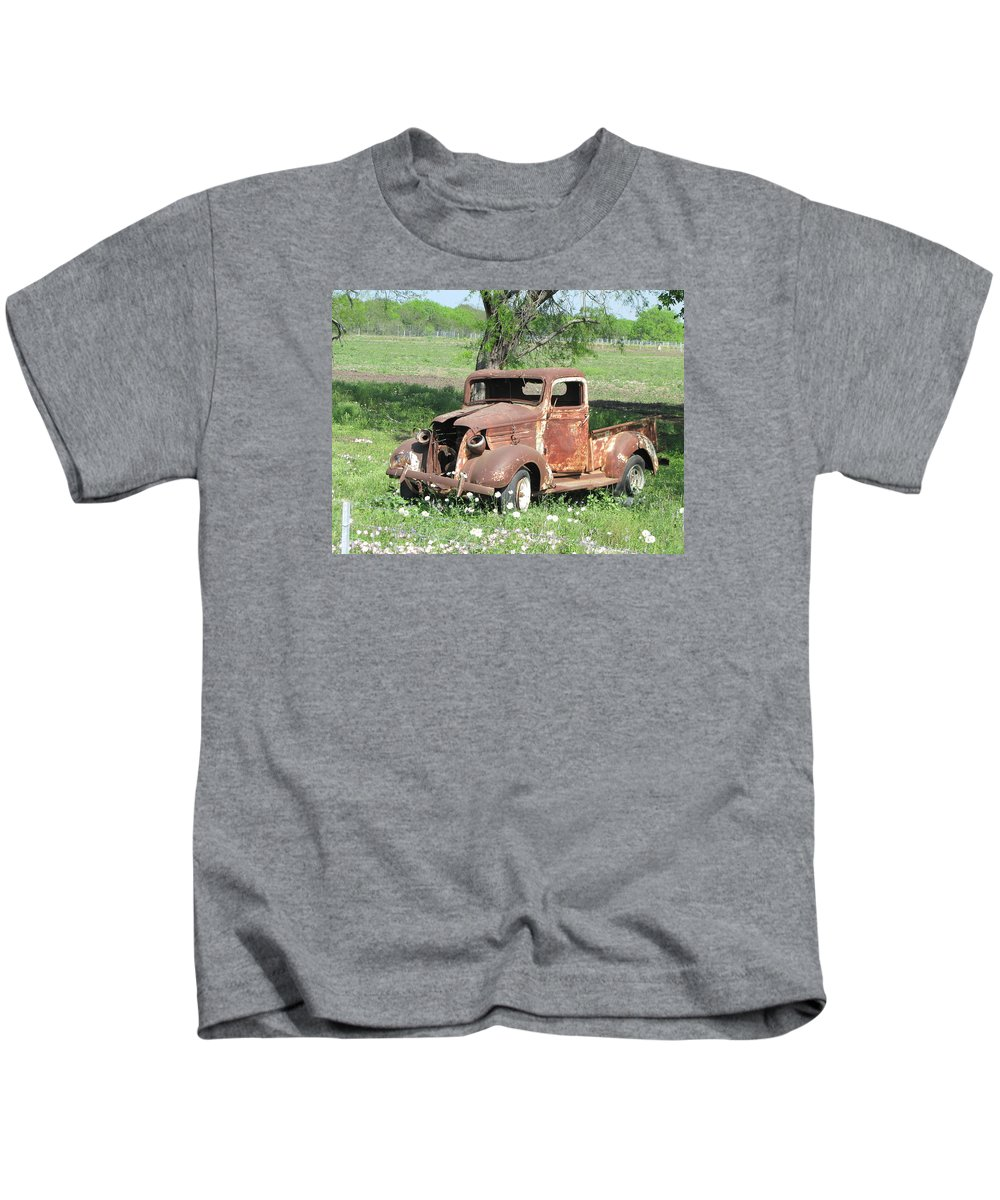 Vin Kids T-Shirt featuring the photograph Rusty Truck by Sandra Vasko
