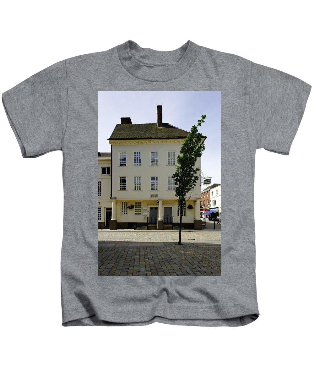 Lichfield Kids T-Shirt featuring the photograph Samuel Johnson Birthplace Museum by Rod Johnson