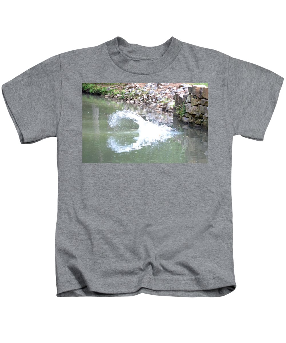 Splashdown Kids T-Shirt featuring the photograph Splashdown by Maria Urso