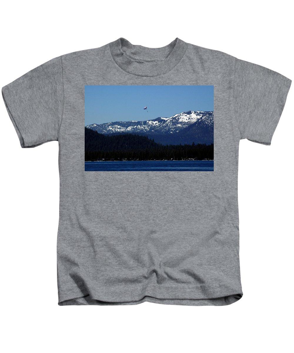 Usa Kids T-Shirt featuring the photograph Tahoe Parasailing by LeeAnn McLaneGoetz McLaneGoetzStudioLLCcom