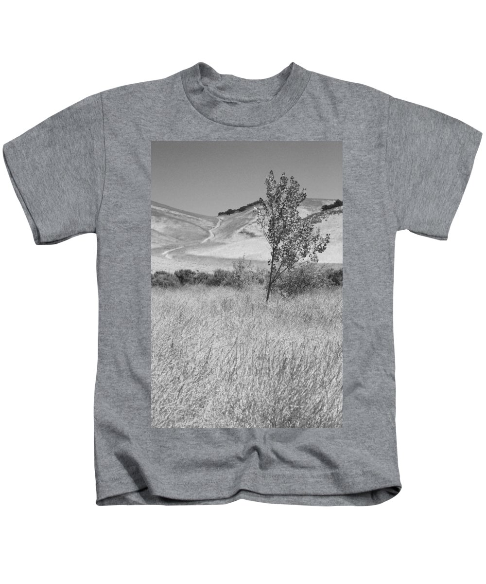 Los Alamos Kids T-Shirt featuring the photograph Through The Tall Grasses by Kathleen Grace