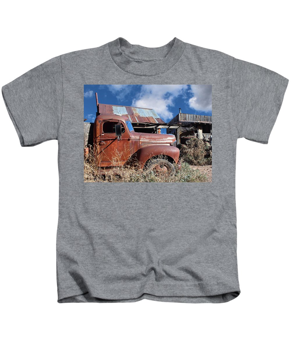 Kb5 Kids T-Shirt featuring the photograph Vintage Truck by Paul Fell