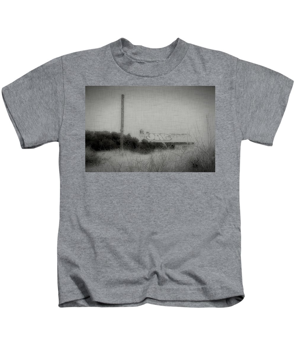 New York Kids T-Shirt featuring the photograph Breezy Point 2 by Jeff Watts
