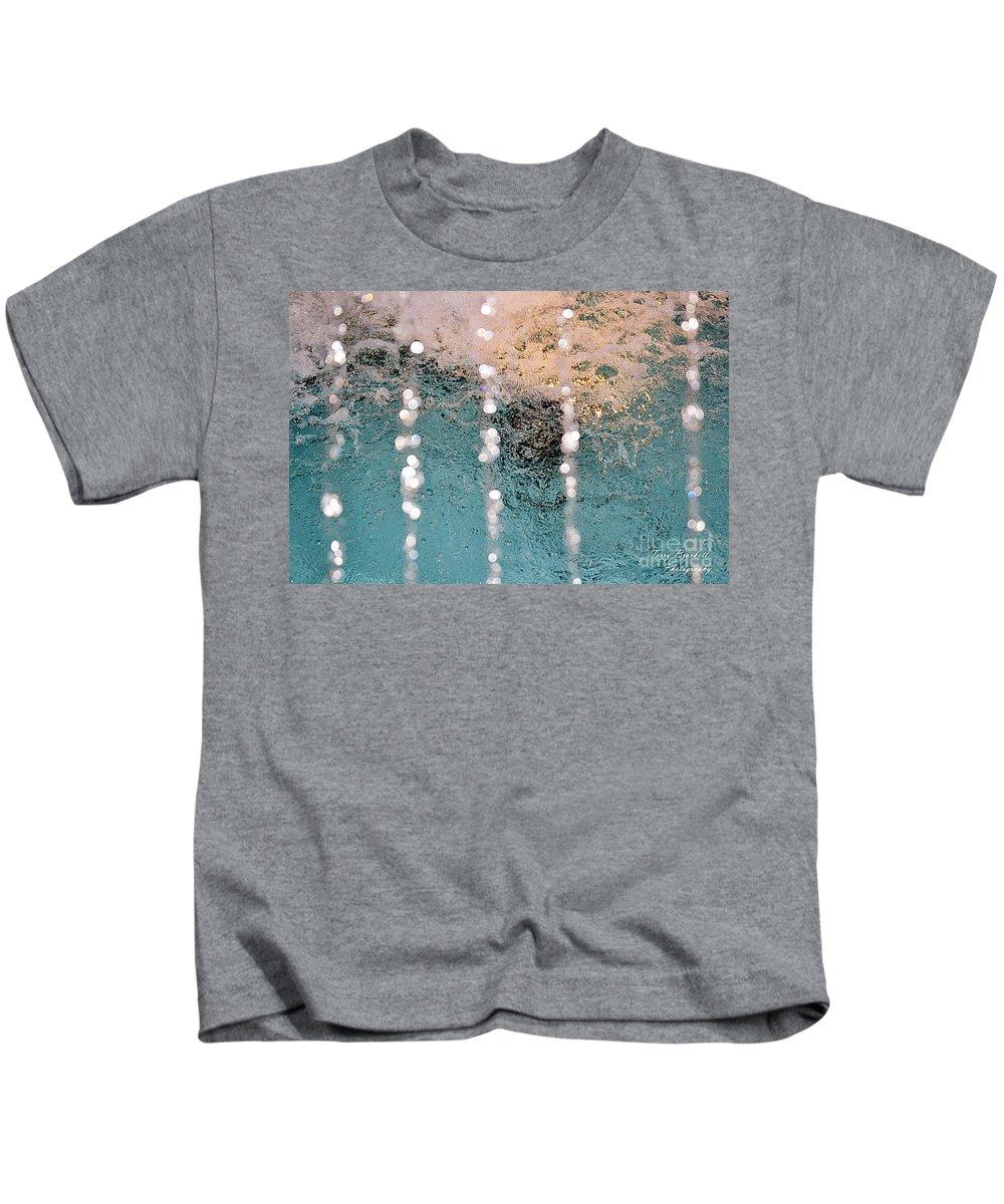 Kids T-Shirt featuring the photograph Fountain by Terry Brackett