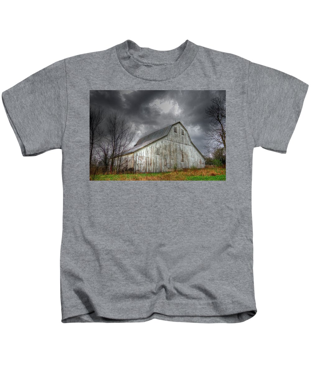 Old Barn Kids T-Shirt featuring the photograph The Old Barn by Karen McKenzie McAdoo