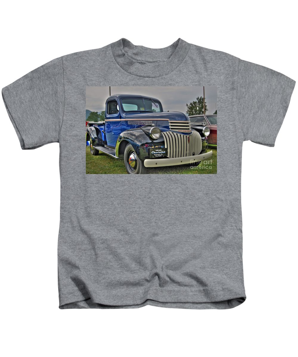 1946 Chevy Kids T-Shirt featuring the photograph 1946 Chevy by Todd Hostetter