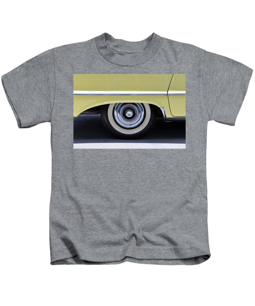 1958 Imperial Car Kids T-Shirt featuring the photograph 1958 Imperial Wheel by David Lee Thompson