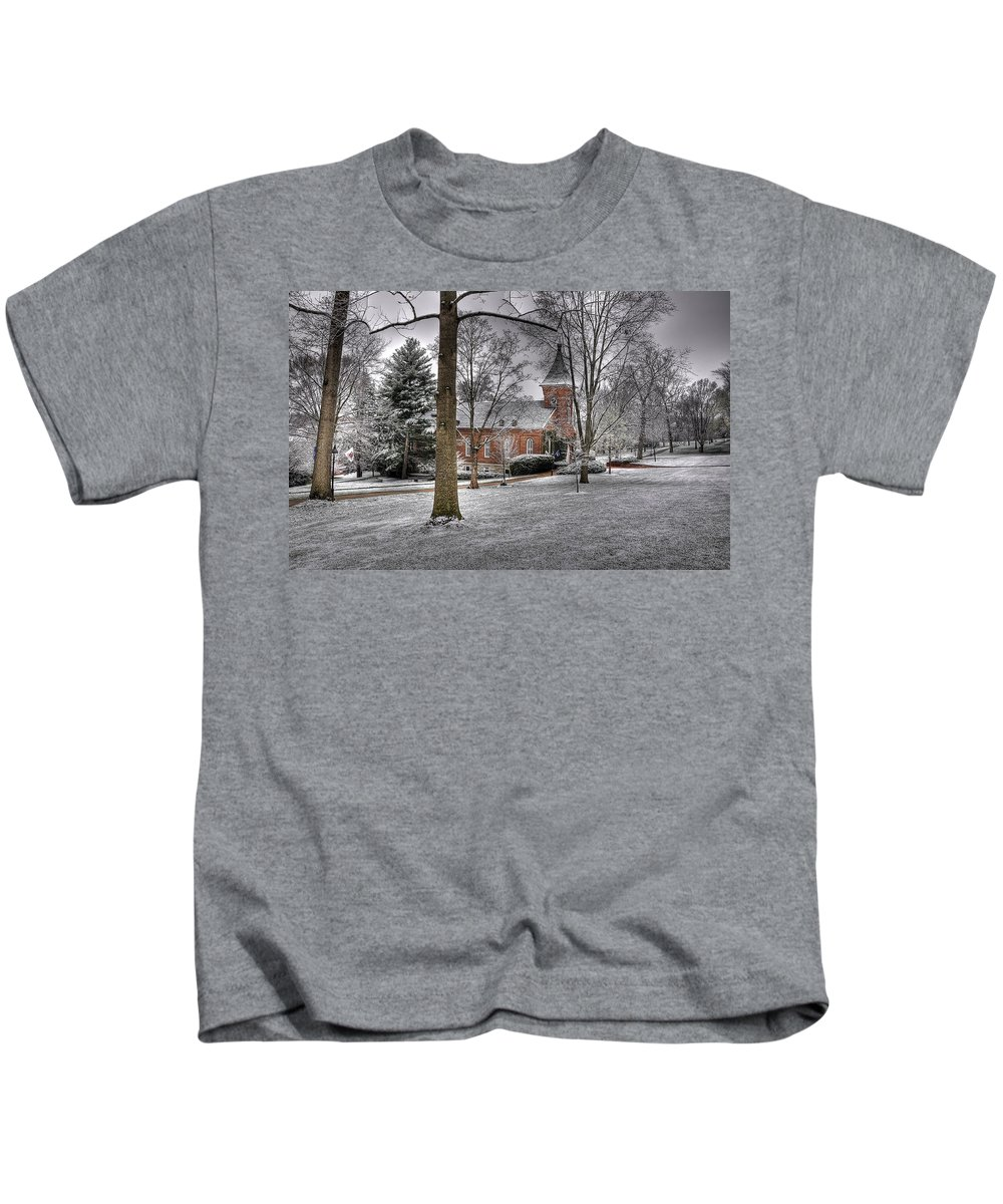 Lee Chapel Kids T-Shirt featuring the photograph Lee Chapel by Todd Hostetter