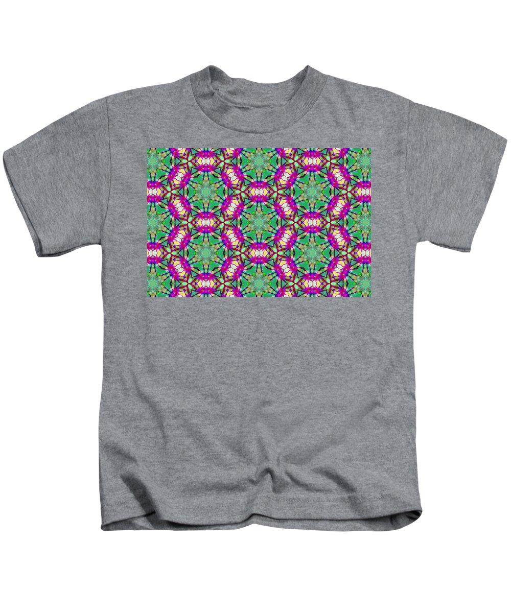 Marjan Mencin Kids T-Shirt featuring the digital art Arabesque 090 by Marjan Mencin
