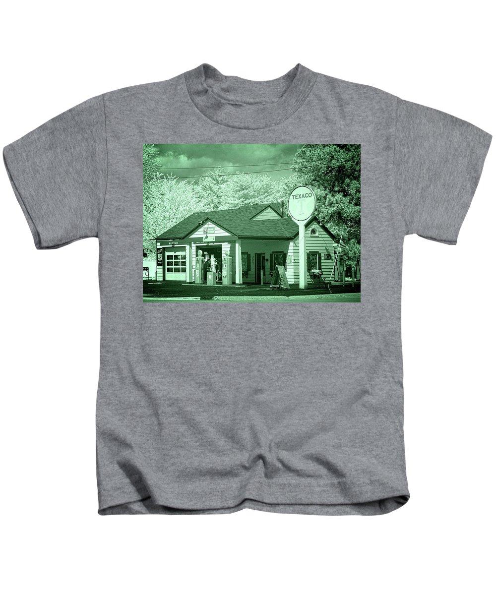Dwight Kids T-Shirt featuring the photograph Ambler-becker Texaco 2 by Fred Hahn