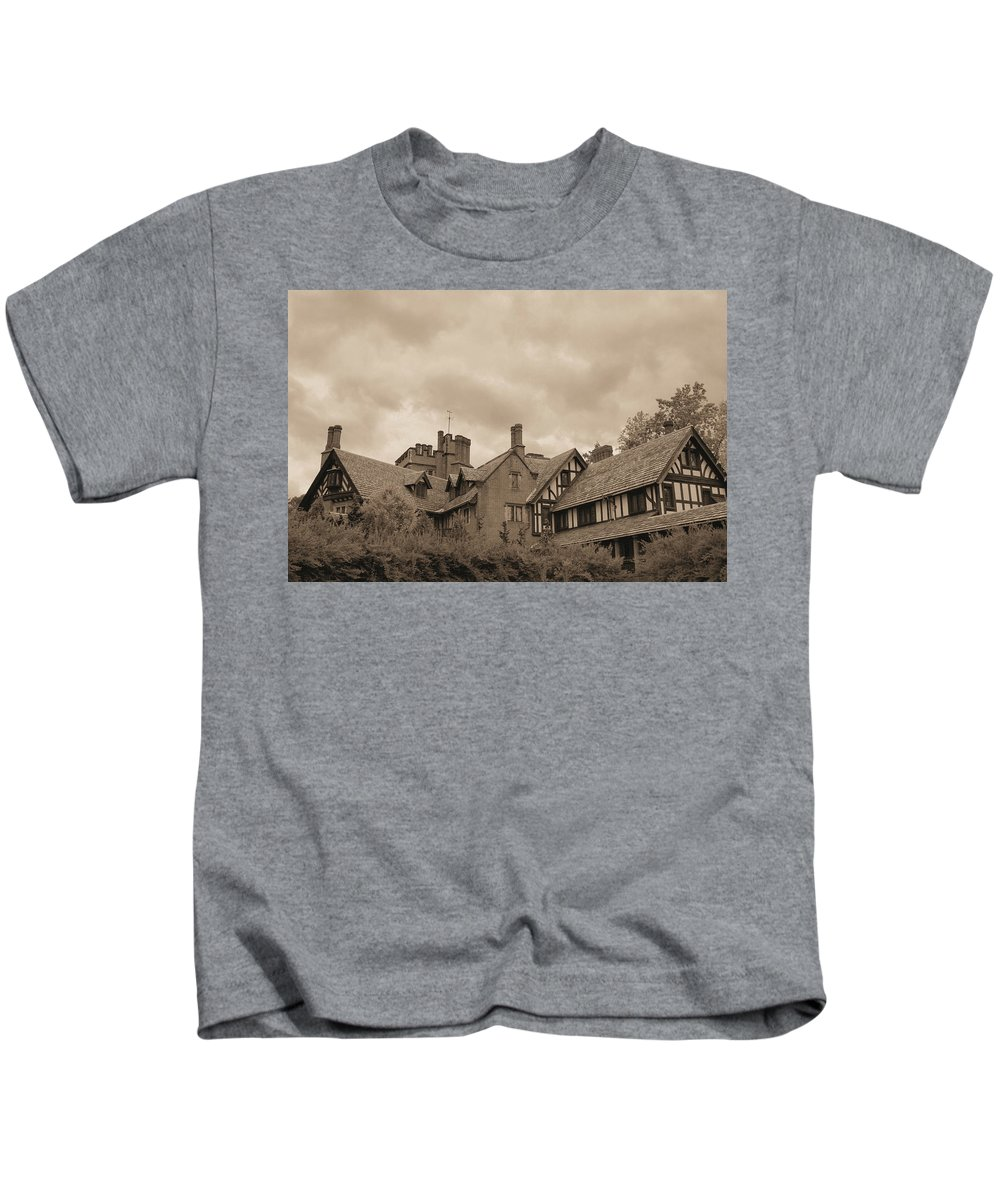 Stan Hywet Kids T-Shirt featuring the photograph American Castle by Kristin Elmquist