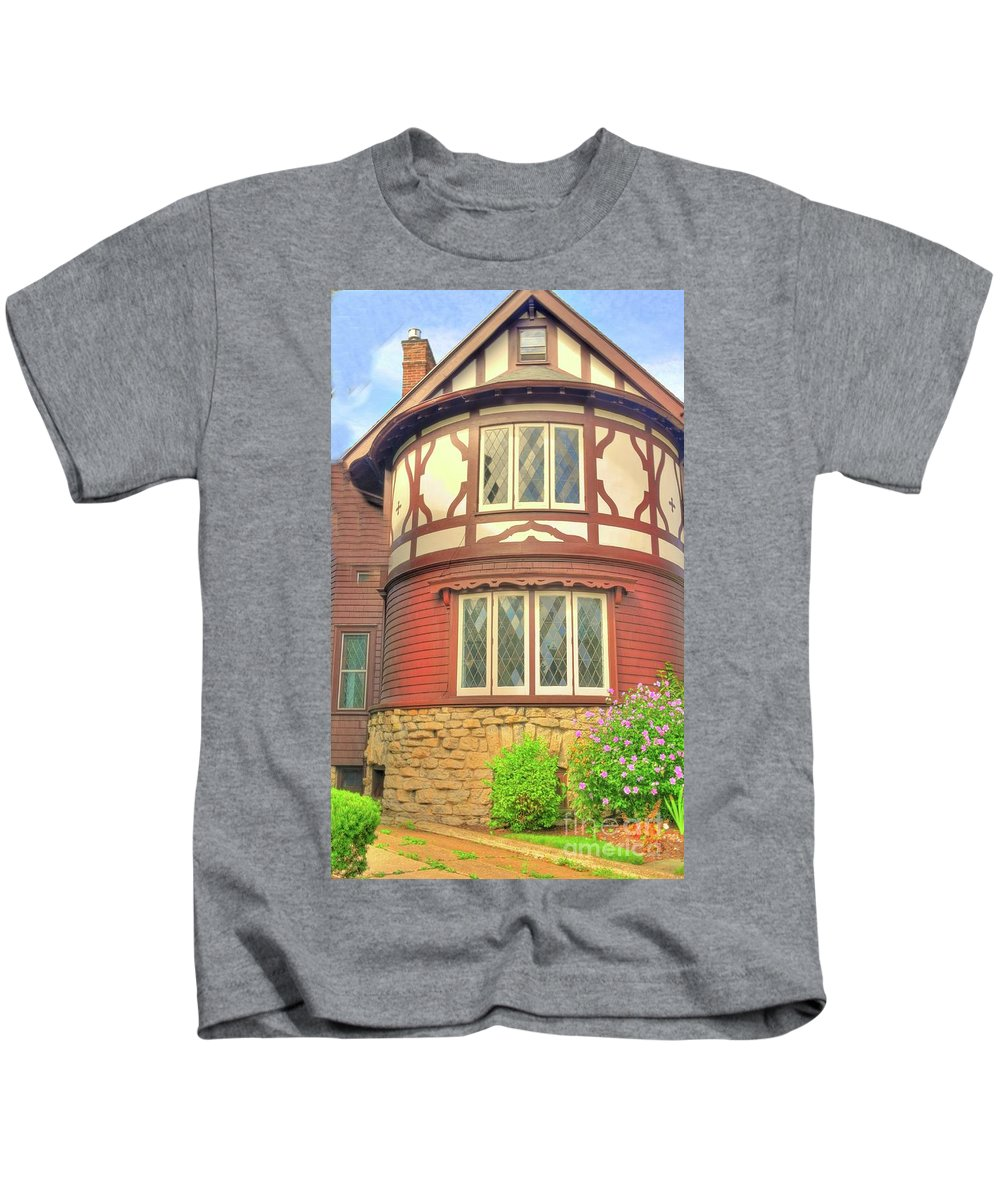 Home Kids T-Shirt featuring the photograph Architectural Design by Kathleen Struckle